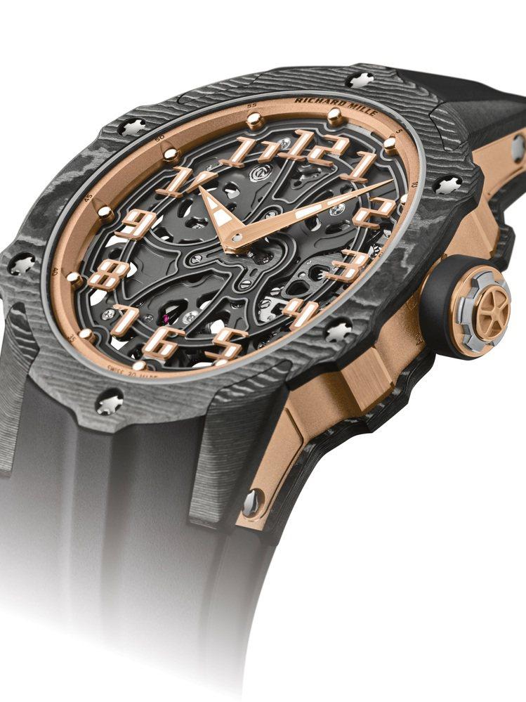 從側邊可看到RICHARD MILLE RM33-02自動上鍊超薄腕表,表殼上下...