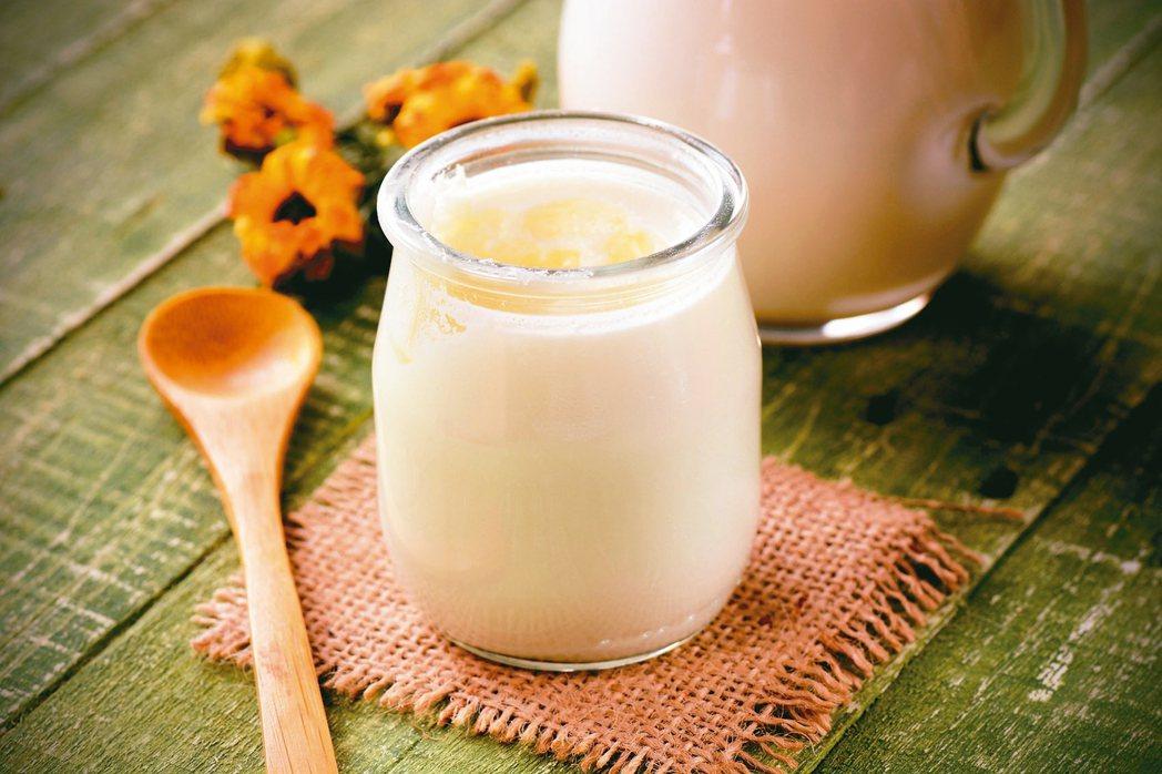 喝優酪乳有「眉角」,最好飯後30分鐘喝,效果最好。 圖/123RF