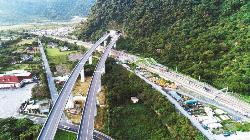 蘇花改下午4時全線通車,雖然台北到花蓮行車時間可從3.5小時縮短為2.5小時。 記者杜建重/攝影