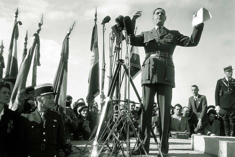 戴高樂在二戰時擔任將領,隨後在1959至1962年阿爾及利亞暴動期間擔任法國總統...