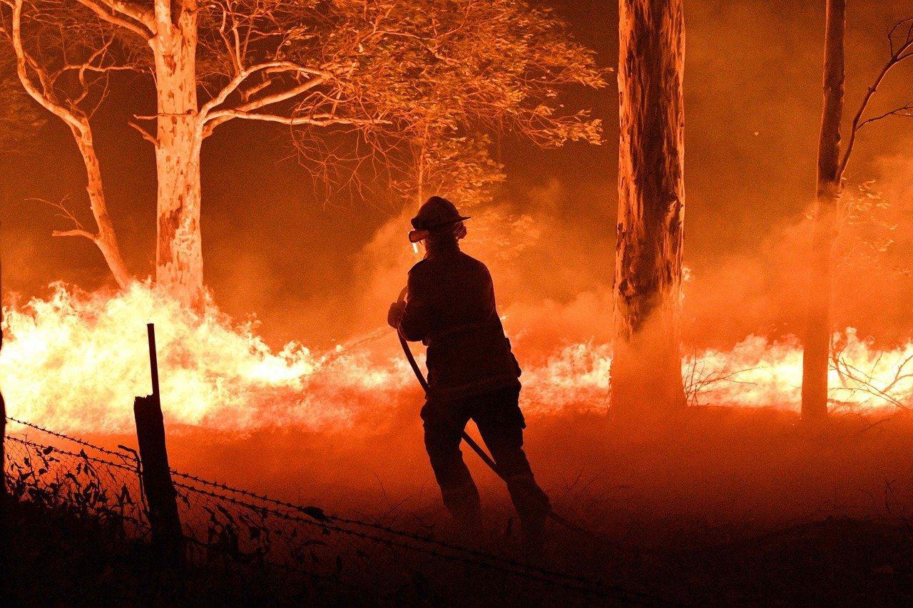 野火肆虐澳洲多處熱門景點和鄉村地區。法新社