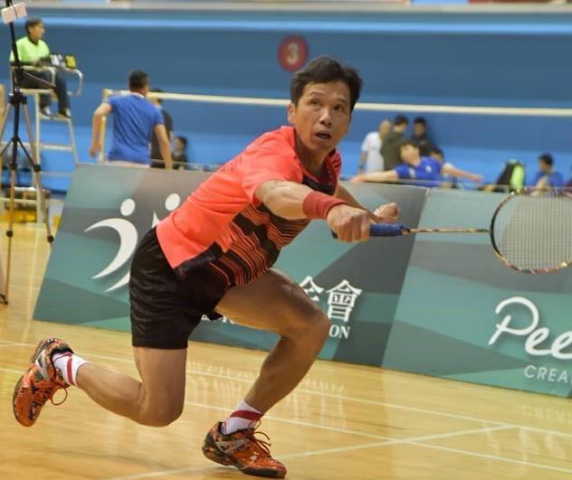 嘉義大學體育與休閒學系助理教授吳昶潤近年致力推廣「橘世代」民眾打羽球,增進健康。...