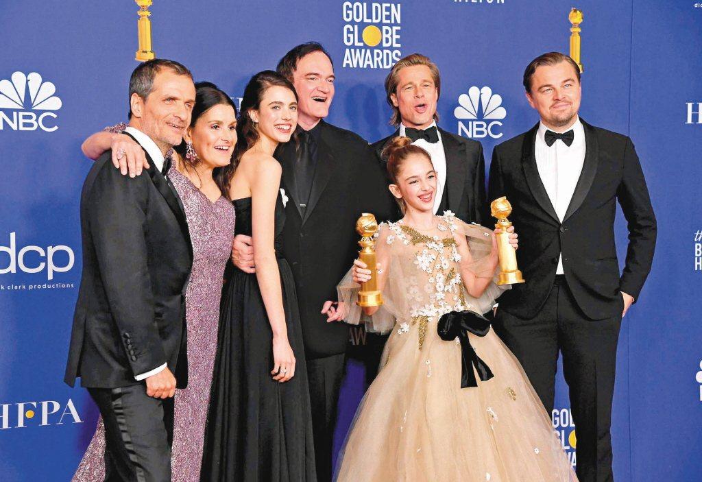 第77屆金球獎,於美國時間1月5日登場,圖為拿下3項大獎的「從前,有個好萊塢」團...