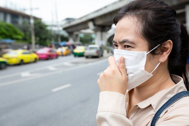 日前衛福部公布十大不分區癌症名單,排名第一為氣管、支氣管及肺癌,形成這些疾病的原...