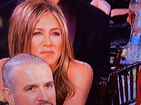 布萊德彼特以「從前,有個好萊塢」拿下金球獎最佳男配角獎,這也是他繼由1996年的「未來總動員」之後再度拿下最佳男配角獎,並極有希望挑戰奧斯卡獎,曾與他有過一段婚姻的珍妮佛安妮斯頓今年也因影集「晨間直...