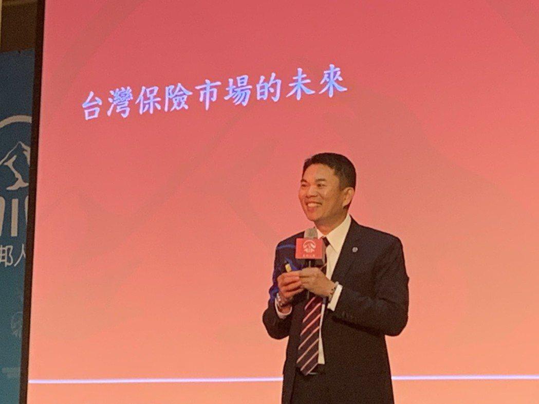 AIA友邦人壽總經理侯文成表示,市場上協助將家族財富和諧且完整地代代傳遞之管理工...