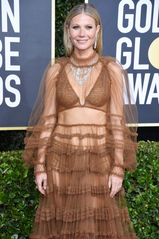 葛妮絲派特洛的透視裝也是紅毯的話題之一,並刻意把寶格麗的Fiorever系列頂級...