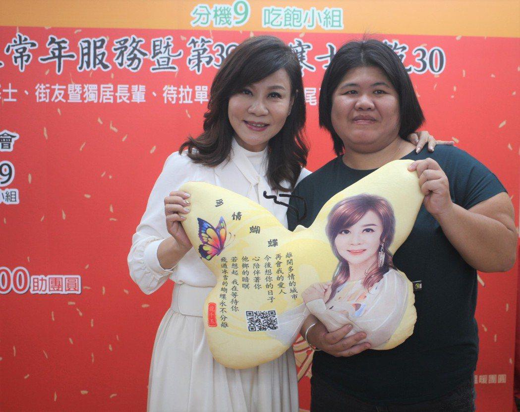 龍千玉(左)很能理解單親媽媽的辛酸。圖/創世提供