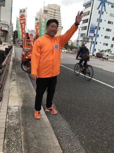 來自沖繩的日本國會議員下地幹郎承認收受中國公司100萬的費用,以獲得關說。(photo by Twitter)