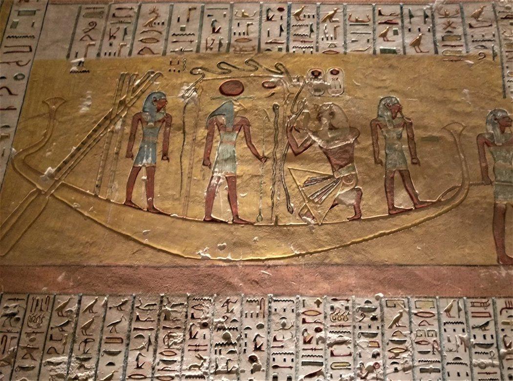 KV2太陽船上跪著獻瑪亞特女神給太陽神拉的法老