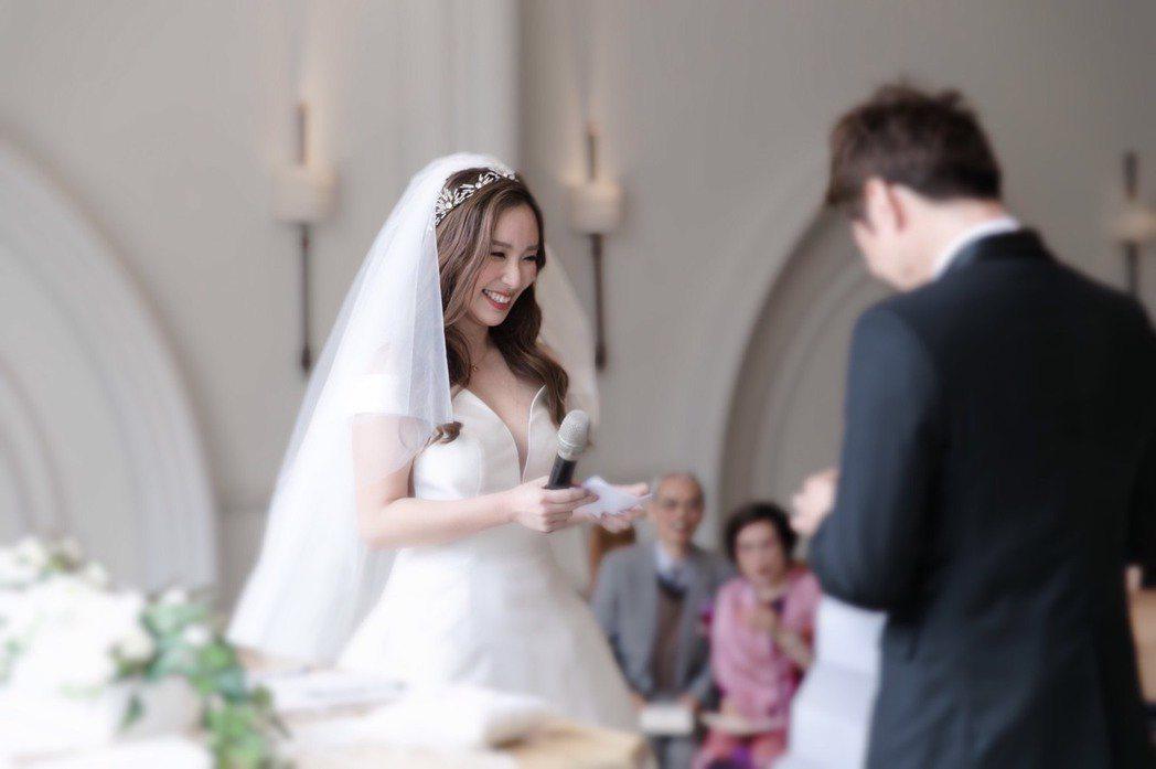 御姊愛和Kevin舉辦了浪漫婚禮,讓這段繞了大半地球的愛情成為佳話。圖/御姊愛提...