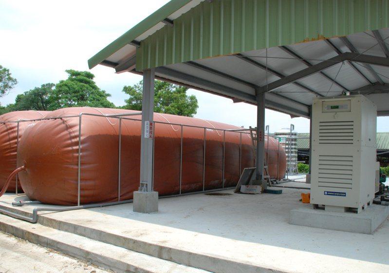 台糖持續發展利用養豬排泄物發電,目前已累計發電10萬度。圖/台糖提供