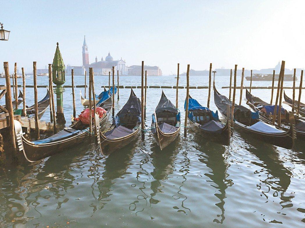 衛福部疾管署今公布,一名20北部女性隨團赴義大利玩,竟會被同國籍、同團的男成員感...