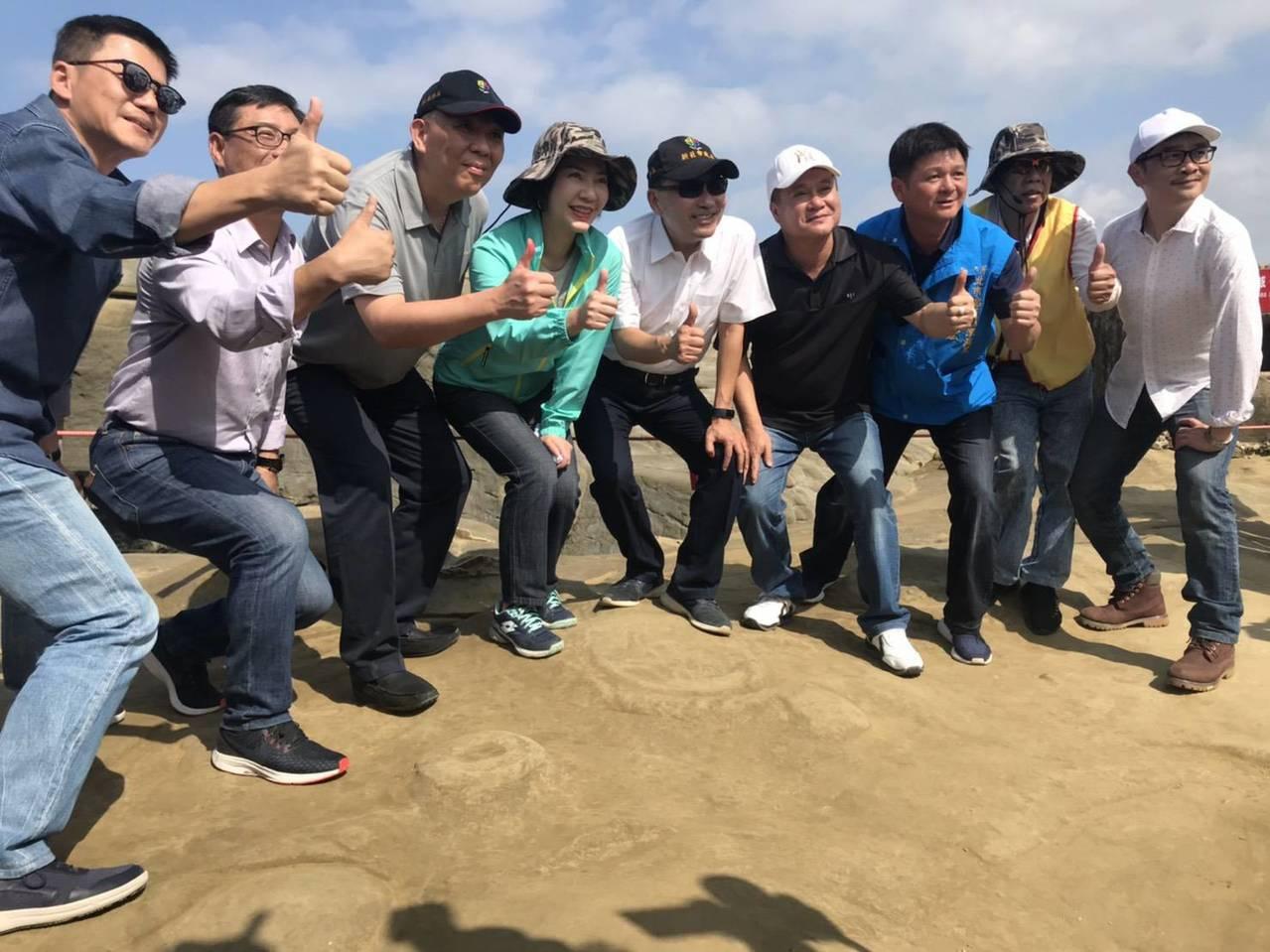市長侯友宜要讓遊客來象鼻岩玩得盡興,也安全無虞。圖/瑞芳區公所提供