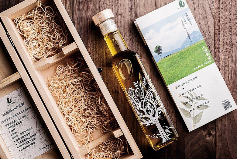 ▲台灣精華食品的第一項產品是苦茶籽油。台灣精華食品提供