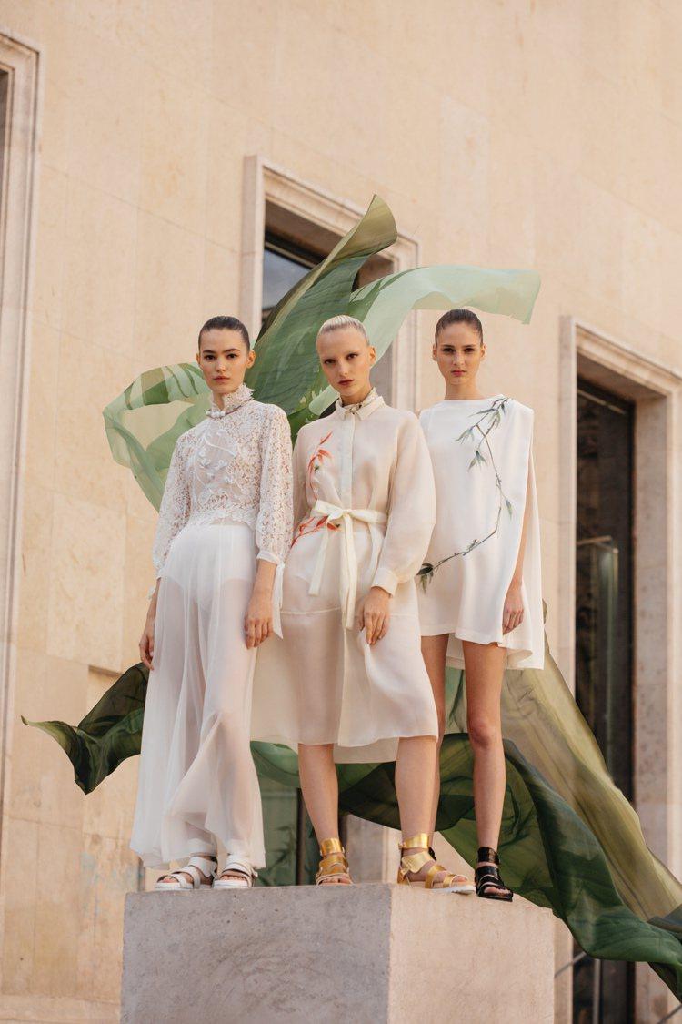 西方剪裁的服飾但有著中式裝飾元素,仍舊是夏姿‧陳春夏系列的概念之一。圖/SHIA...
