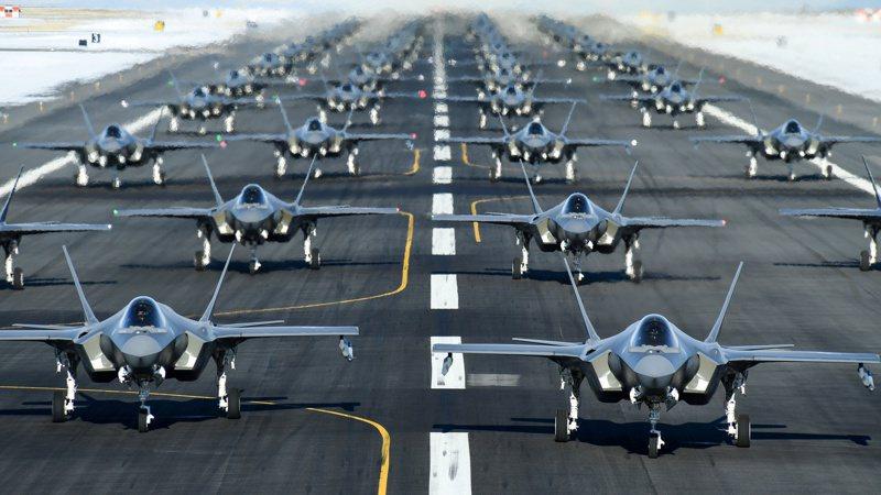 因新冠肺炎疫情影響,美國F-35戰機唯二海外組裝廠已停工。路透社