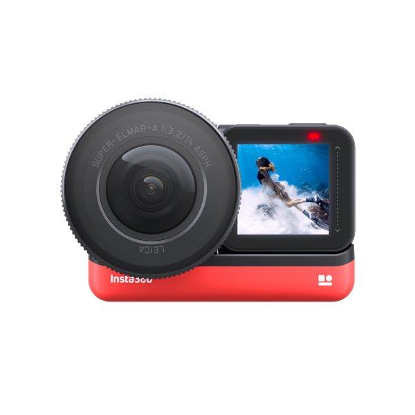 Insta360 ONE R不僅可換鏡頭,方向還可以前後旋轉,用來自拍也沒問題。...