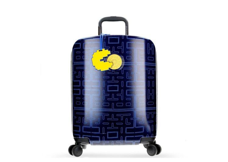 PAC-MAN限量系列20吋硬殼登機箱7,780元。圖/Kipling提供