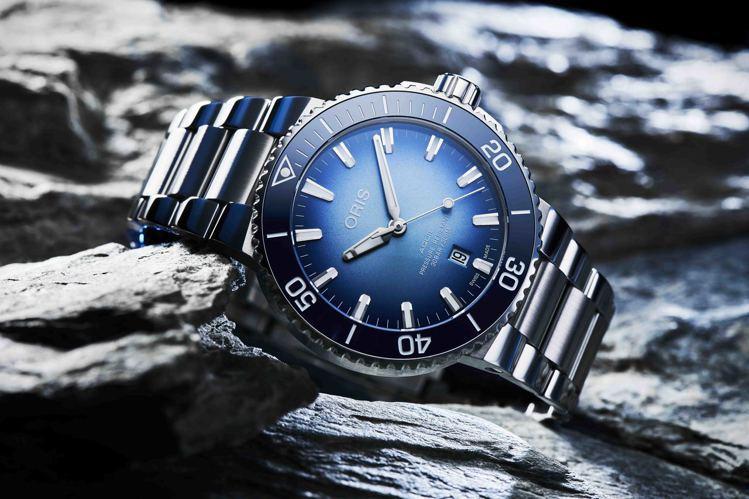 ORIS,貝加爾湖限量腕表,全球限量1,999只,約68,000元。圖╱ORIS...