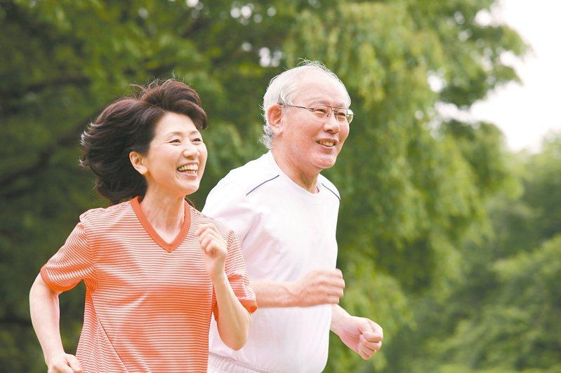 糖尿病友容易失智,建議多運動、健康飲食、休閒減壓,延緩認知功能退化。 圖/123RF