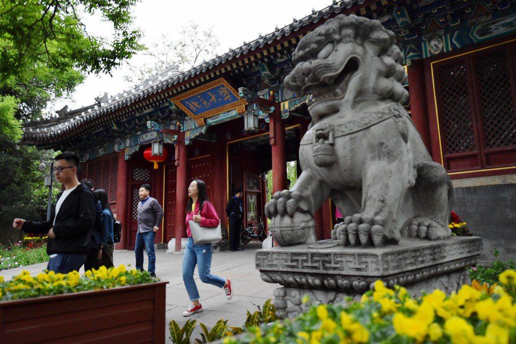 北京大學是大陸一流學府,當然更是大陸父母盼望孩子就讀的學校。 (新華社)