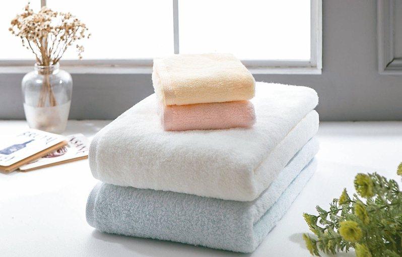 馬卡龍超柔純棉浴巾組。 圖/UCHINO提供