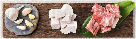 「映鮮in fresh」將台灣私房電鍋料理,做成2-3人份小份量生鮮食材包。業者...