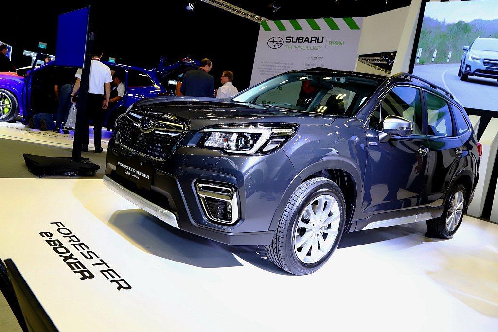 在新加坡發表上市的Subaru Forester e-BOXER,則預計在今年第...
