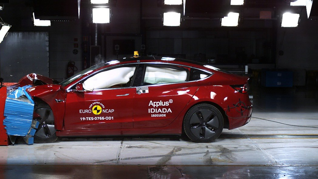 TESLA Model 3進行撞擊測試。 圖/Euro NCAP提供