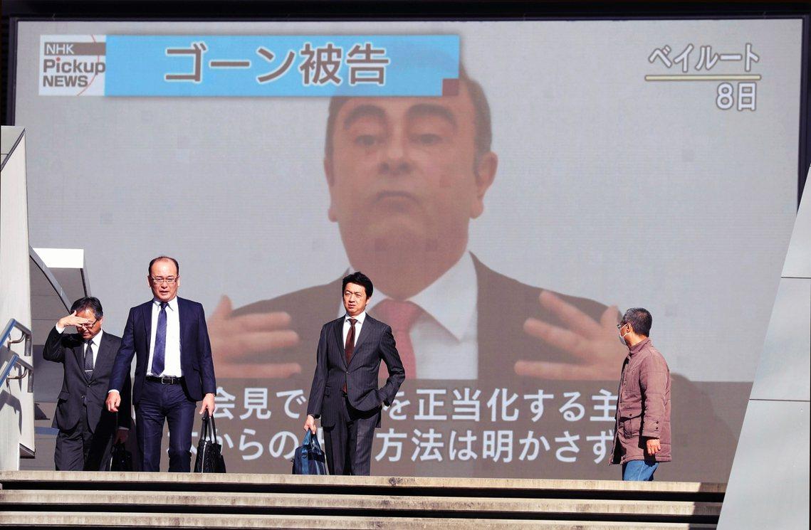 「我本來是在日本受到尊敬、當做典範的人物。誰知那日本檢調和日產的幹部們,突然就把...