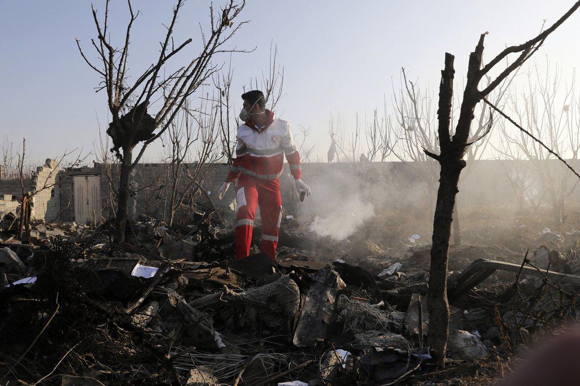 烏克蘭國際航空(UIA)一架波音737-800型客機,8日清晨在伊朗首都德黑蘭起...