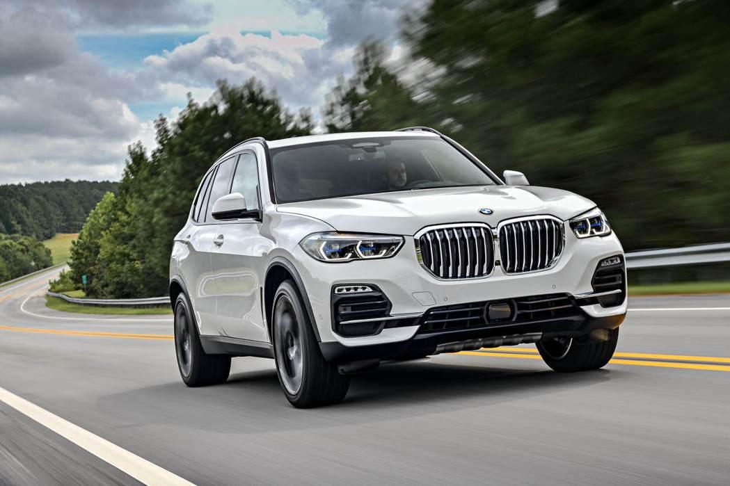 全新BMW_X5_xDrive25d以超越同級的配備內容矚目登場,即日起正式進駐...