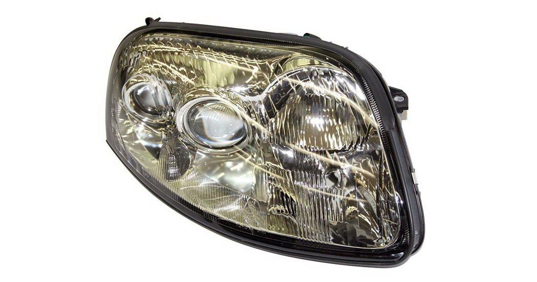 A80車系頭燈總成復刻零件。 圖/TOYOTA提供
