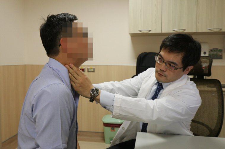 亞洲大學附屬醫院血液腫瘤科醫師連銘渝指出,鼻咽癌細胞對放射線治療反應良好,屬早期...