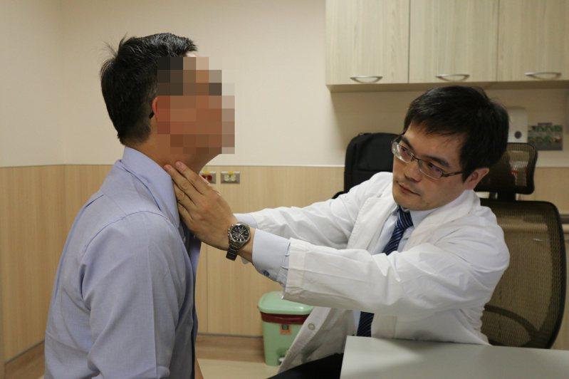 亞洲大學附屬醫院血液腫瘤科醫師連銘渝指出,鼻咽癌細胞對放射線治療反應良好,屬早期的第一、二期5年存活率80%以上。圖/亞洲大學附屬醫院提供