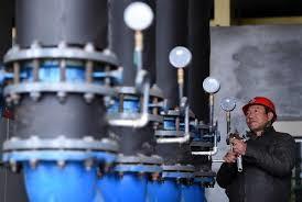 中國大陸將全面開放油氣勘查開採市場,允許民企、外資企業等社會各界資本進入油氣勘探開發領域。(取自新華財金網)