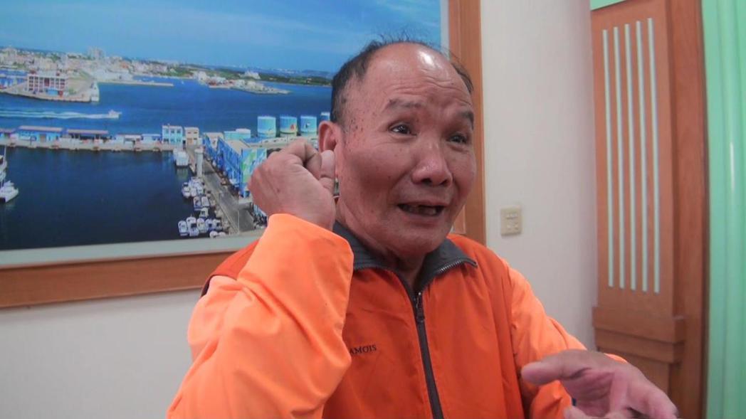 負責全澎湖抽水肥工作的「水肥伯」紀實全,是在基層奮鬥40年的「無名英雄」,今年元...
