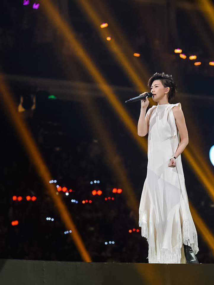孫燕姿迎來出道20周年,展開「就在日落以前」全新巡演。圖/摘自臉書