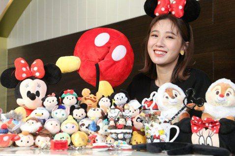 今年是鼠年,鼠的代表「人物」非迪士尼的「米奇」、「米妮」莫屬,而方志友是迪士尼重度成癮者,尤其Tsum Tsum玩偶她就收藏了約300隻,家裡還有一個櫥櫃專門放玩偶,其他生活用品、服裝飾品一見到是迪...