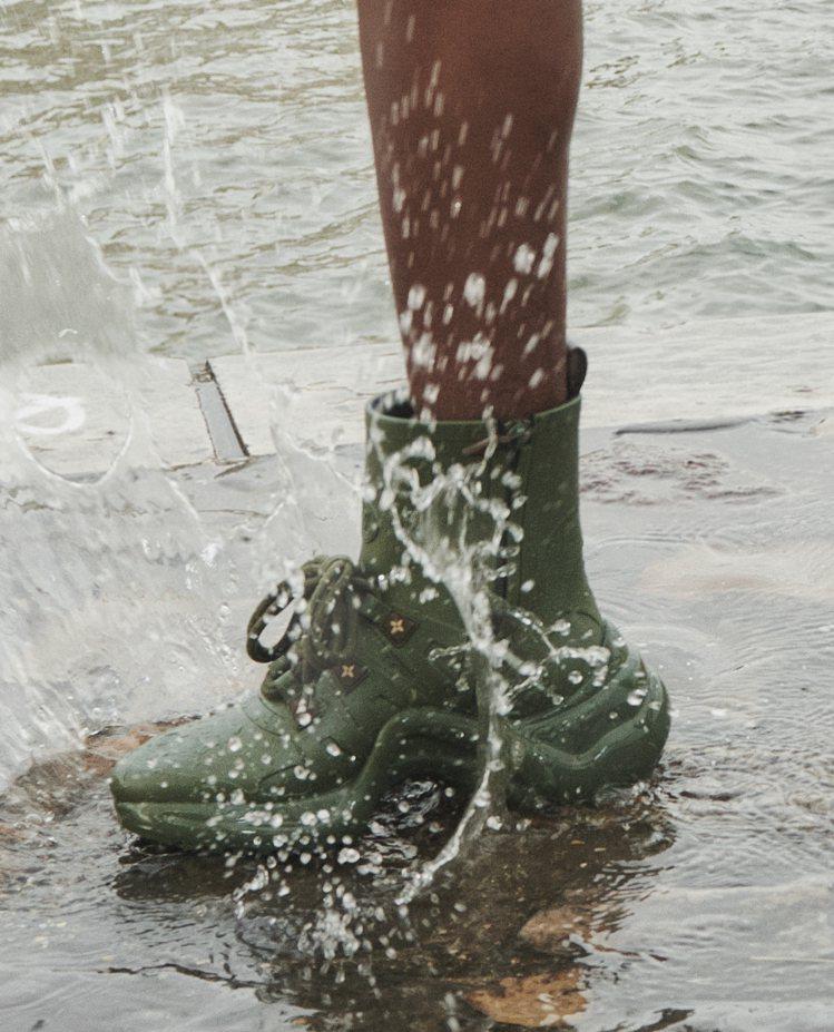 軍綠色LV Archlight sneaker boots。圖/LV提供