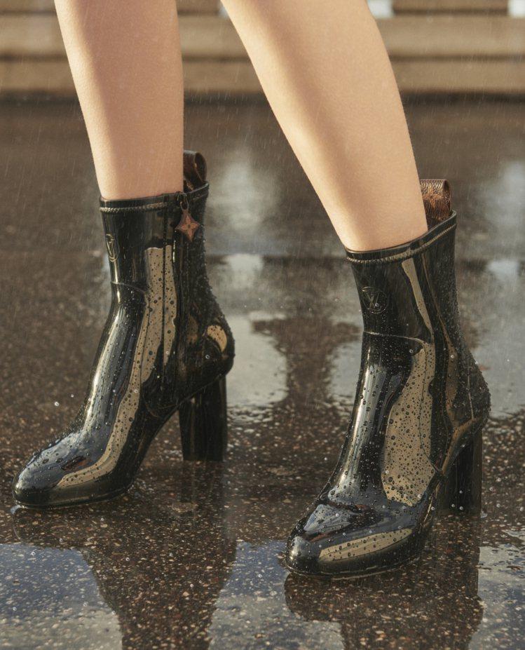 Silhouette短靴有Monogram的立體花卉柱狀鞋跟。圖/LV提供