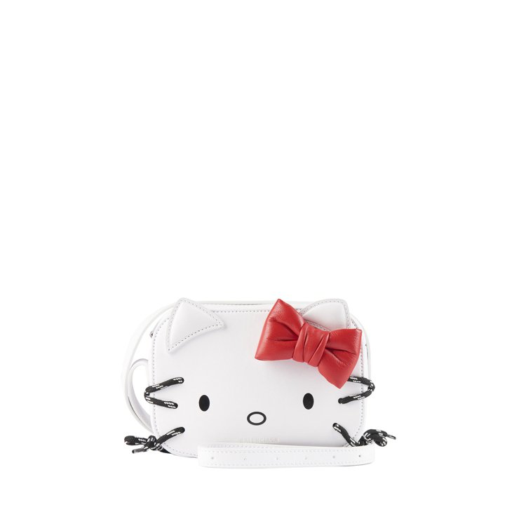 Kitty相機包,38,800元。圖/BALENCIAGA提供