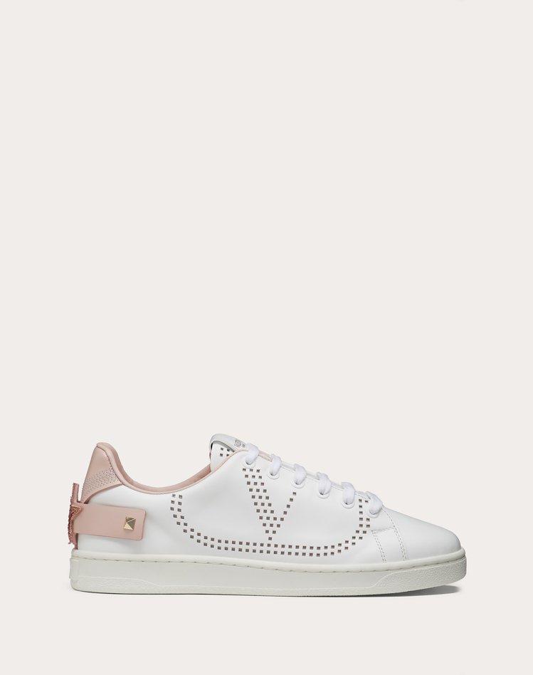 Backnet小白鞋,25,000元。圖/Valentino提供