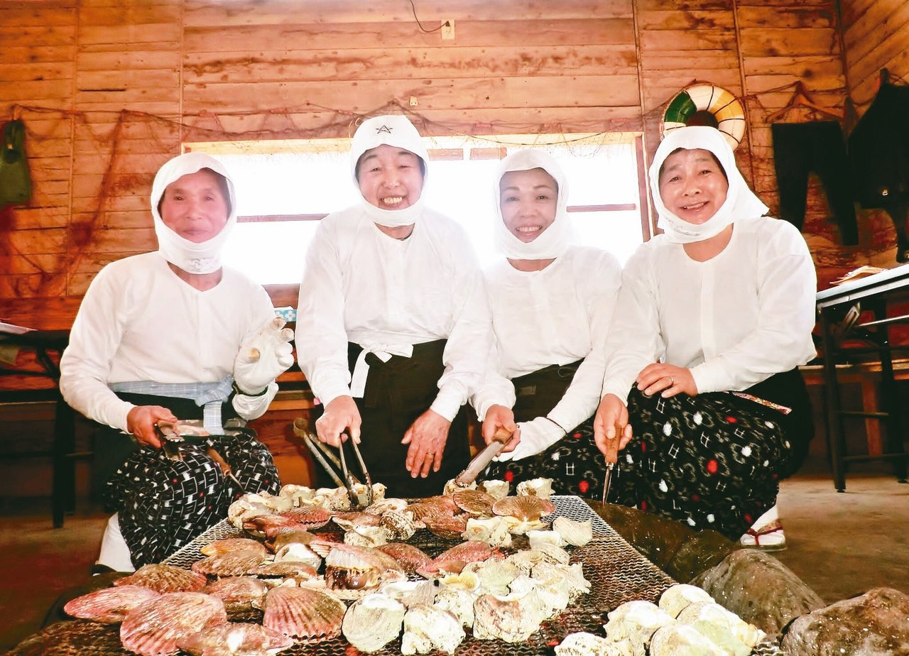 在海女小屋,可以品嚐到當日現撈的各式海味。 圖/有行旅提供