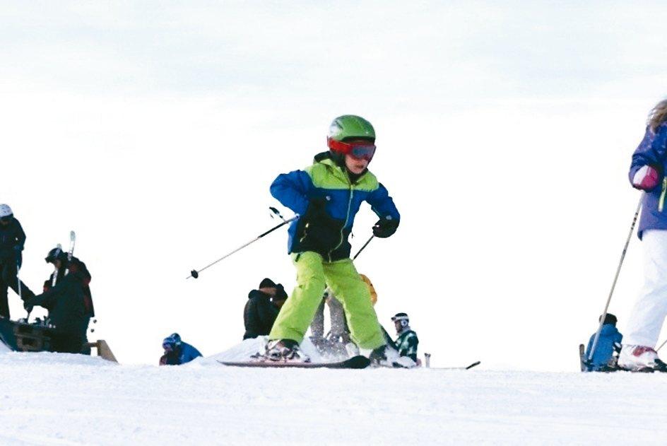 瑞士的冬天,無論老少,幾乎都是一等一的滑雪好手。 圖/陳志光、游慧君