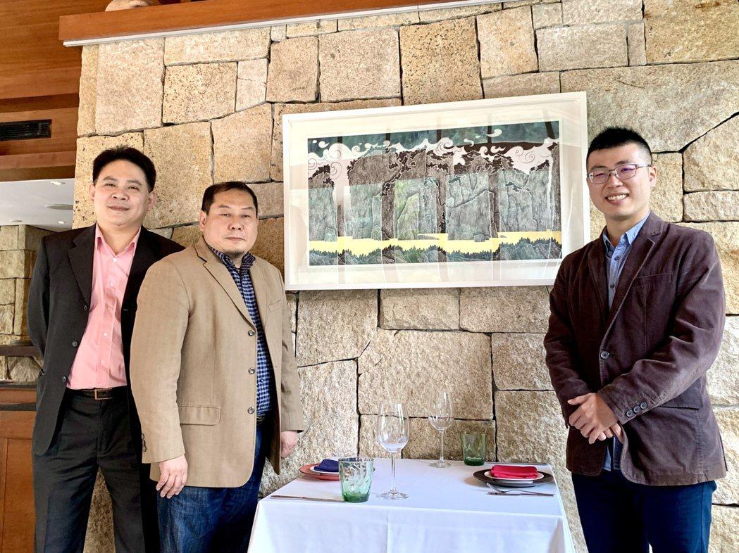 馥蘭朵烏來度假酒店即日起展開三個月「品味馥蘭朵-李宗仁師生聯展」。左起為烏來馥蘭...