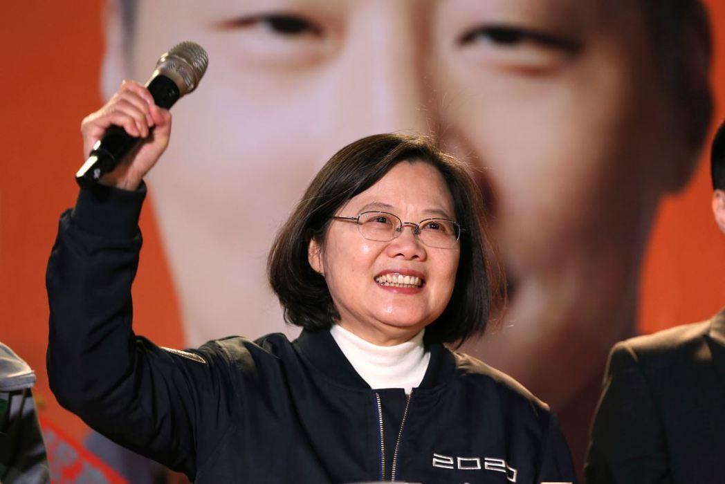 就算蔡英文政府順利地度過了這次難關,但台灣的民主危機只是暫緩。 圖/美聯社
