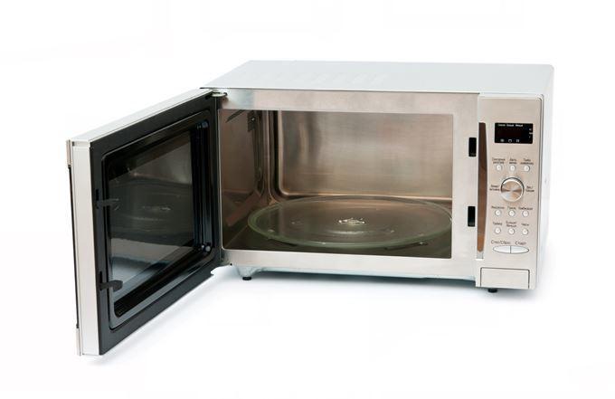有網友詢問,已有電鍋的狀況下,應買微波爐、氣炸鍋或水波爐?圖片來源/ingima...