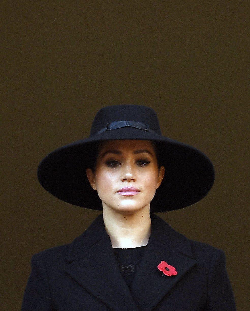 習慣做自己的梅根,嫁入英國皇室不滿兩年,已經感到不愉快、受壓抑。圖/歐新社資料照...